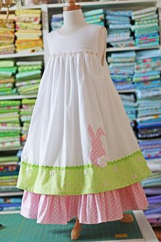 Peter Cottontail Dress is oh so pretty.Sew one for your little princess today with this tutorial..Love it.
