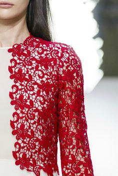 Giambattista Valli S/S 2013.... gorgeous :) ....  CROCHET INSPIRATION: http://pinterest.com/gigibrazil/crochet-and-knitting-lovers/