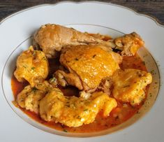 - Hähnchen Paprikasch Croatian Cuisine, Chicken Wings, Poultry, Spaghetti, Curry, Food And Drink, Meat, Cooking, Ethnic Recipes