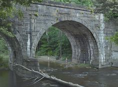 Gregory Crewdson - Beneath the Bridge, 2014