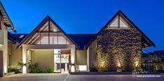 Cotswold Downs Estate Residence by Peter Ries Architects Cabin, Mansions, Architecture, House Styles, Photography, Google Search, Home Decor, Arquitetura, Photograph