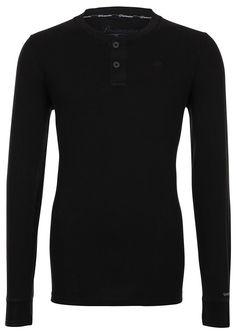 Longsleeve    Das Serafino-Shirt aus reiner Baumwolle setzt auf eine entspannte Ausstrahlung. Der glatte Jersey in dezent ausgewaschener Optik mit weicher Textur verspricht hohen Komfort. Die Knopfleiste und Flatlock-Nähte komplettieren den Look.    Ausschnitt: Y-Ausschnitt  Gesamtlänge/Rückenlänge Größe S: 71cm  Größenflag: fällt normal aus  Material: 100% Baumwolle  Material Ärmeloberstoff: 1...