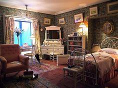 Victorian Home Decor Ideas Inspiring exemplary Victorian Home Decor Ideas With Good Wallpaper Painting