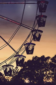 Ferris wheels scare me. But the magic in this photo? That, I love.
