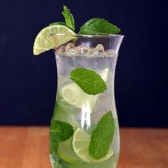 The best mojitos! Easy and refreshing. www.theyummylife.com/Mojitos