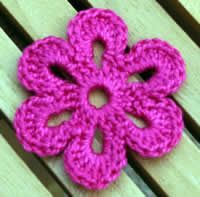 could add a clip to the back and use for hair or add to a purse, scarf, outfit, #crochetflowers