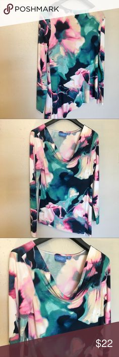Simply Vera Vera Wang / Size Medium Like new! Great Spring colors.    Thank you SO much for visiting my Posh Closet.  If you have questions just let me know.  Feel free to make an offer and/or bundle.  Happy Shopping!!! 💕💕💕  C1 2/4 Simply Vera Vera Wang Tops Blouses