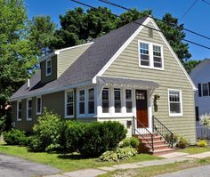 Well, Laurel has done it again! We saw her turn a ranch into a remodel a charming New Englander, and raise the roof on a Cape Cod. So when she told me she just finished fixing up a bungalow t