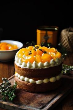Elodie's Bakery: Olive oil cake, apricots compote, thyme and bergam...