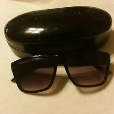 ANN TAYLOR SUNGLASSES NEW ANN TAYLOR SUNGLASSES. GREAT CONDITION!  PERFECT FOR SUMMER. Ann Taylor  Accessories Glasses