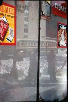 Fotografia in movimento: Saul Leiter Saul Leiter, William Eggleston, Pittsburgh, History Of Photography, Color Photography, Photography Magazine, Urban Photography, Robert Doisneau, Paolo Roversi
