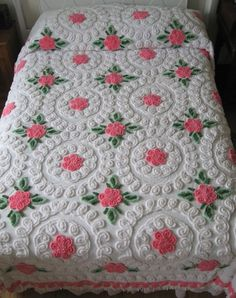 Vintage Chenille Bedspread, White with Pink Flowers, Full/Queen Size