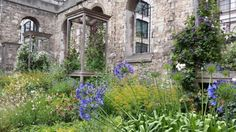 Greyfriars -> http://londonist.com/2015/07/london-s-little-gardens-old-city-church-sites