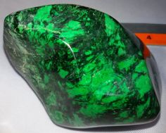 Maw Sit Sit Chromium Jadeite Rough Approx.480grams TOP COLOR Only mine finished