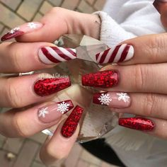 Winter Nails - 102 festive and easy christmas nail art designs you must try page 2 Chistmas Nails, Cute Christmas Nails, Xmas Nails, Red Nails, Snowman Nails, Christmas Acrylic Nails, Halloween Nails, Simple Christmas, Winter Christmas