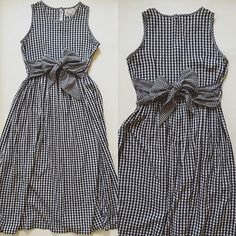 ⍆ now available: wear the bow on the front or back / black and white gingham bow straps maxi dress / s / m / $63 #minminvintageshop #vintagedress #summerdress #ginghamdress #1970s #70s