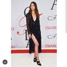 Lily Aldridge, black dress, black heels, red carpet