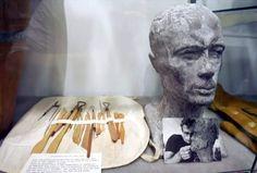 James Dean's sculpture & tools