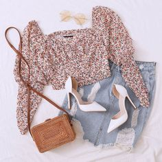 Casual Dress Outfits, Casual Summer Dresses, Stylish Outfits, Girl Outfits, Cute Outfits, Kpop Fashion Outfits, Girls Fashion Clothes, Korean Outfits, Look Fashion