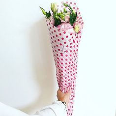 I cannot believe it's May and Mother's Day is just around the corner. How do you celebrate? I suppose some of you may be struggling for gift ideas ( I […] Mothers, Corner, Stylists, Gift Ideas, My Love, Celebrities, Day, Flowers, Celebs