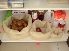 DIY bags for produce. Nice starter project for figuring out how to use the goddamned sewing machine. :)