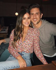 JoJo Fletcher and Jordan Rodgers - Met On: The Bachelorette Season 12 Current Status: Engaged Joelle Fletcher, Jojo Fletcher, Cute Couple Selfies, Cute Couple Pictures, Jojo Bachelorette, Jojo And Jordan, Jordan Rodgers And Jojo, Ideas For Instagram Photos, Relationship Goals Pictures