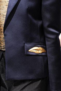 Schiaparelli Fall 2016 Couture Fashion Show – Schiaparelli Herbst 2016 Couture Fashion Show – Cute Fashion, Unique Fashion, High Fashion, Fashion Show, Winter Fashion, Fashion Outfits, Couture Details, Fashion Details, Fashion Design