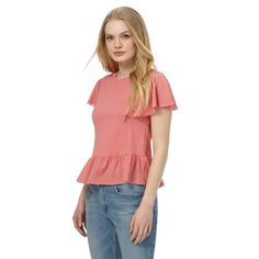Accent off-duty collections with this peplum top from Red Herring. Showcasing a pastel pink hue, it features a classic crew neck, short sleeves and a relaxed fit. Casual in style, it's completed with a cape sleeve and a peplum waist for a flattering feminine silhouette.