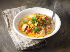 Broileri-kasviskeitto Food N, Food And Drink, Soup Recipes, Healthy Recipes, Cheeseburger Chowder, Thai Red Curry, Easy Meals, Pasta, Dinner