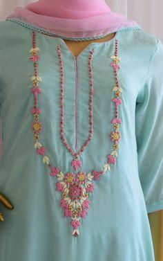 Embroidery Suits Punjabi, Embroidery On Kurtis, Kurti Embroidery Design, Embroidery Fashion, Diy Embroidery Patterns, Flower Embroidery Designs, Embroidery Motifs, Fancy Dress Design, Fancy Blouse Designs