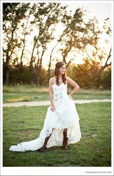 Melissa Glynn Photography Bridal Portraits Vista West Ranch Austin Texas Dripping Springs Western Wedding Dressescow