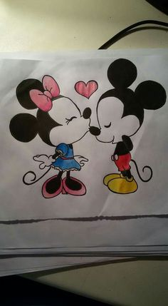 Topolino e Minnie.  -Disney.