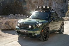 2019 Mini Paceman Adventure Concept photo - 3