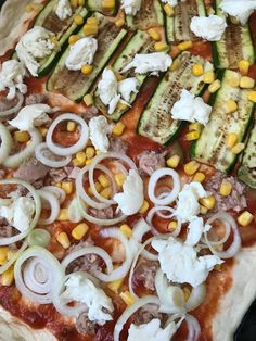 Pizza z kvasu Mozzarella, Cobb Salad, Pizza, Food, Basket, Meals