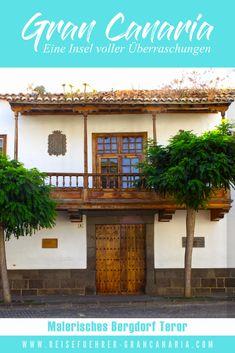 Gran Canaria steckt voller Überraschungen. Eine davon ist das Dörfchen Teror, welches sich im Norden der Insel befindet und auf Grund seiner  Geschichte eine bedeutende Stellung innerhalb des Inselgefüges einnimmt... Places To See, Watercolor, Maspalomas, Historic Houses, Canary Islands, Old Town, Road Trip Destinations, History, Pen And Wash