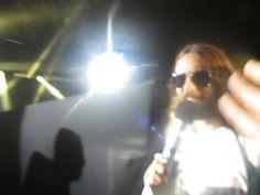 JARED bajo del escenario ;) 9 OCT 2014