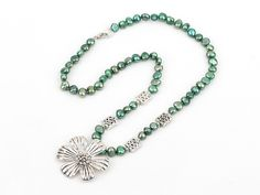 Green pearl and tibet flower necklace with lobster clasp--Aypearl.com