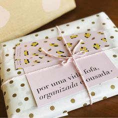 Cute Crafts, Diy And Crafts, Packaging Design Inspiration, Gift Packaging, Box Design, Paper Design, Illustrations, Gift Tags, Branding Design