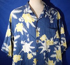 TOMMY BAHAMA Button Front Men's 2XL Floral Geometric SS Blues Silk Shirt  #TommyBahama #ButtonFront