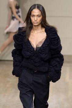 Julien Macdonald F/W 2010  | Knit | Knitwear |  catlwak | runway | high fashion | tricot
