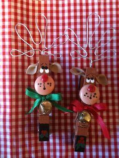 Set of 2 Reindeers Christmas Clothespins Magnets package ties country wood crafts Noel Christmas, Christmas Crafts For Kids, Christmas Projects, Winter Christmas, Holiday Crafts, Holiday Fun, Reindeer Christmas, Reindeer Craft, Reindeer Ornaments