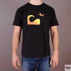 Czarna koszulka z nadrukiem Evokaii KiteJumper / www.brandsplanet.pl / #evokaii #kitesurfing