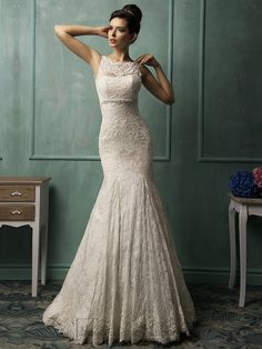 Bateau Neckline V-back Lace Wedding Dress