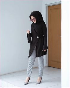 25 Ideas For Style Hijab Casual Chic Outfit Casual Hijab Outfit, Hijab Chic, Casual Dresses, Modern Hijab Fashion, Muslim Fashion, Work Fashion, Office Fashion, Fashion 2018, Dress Fashion