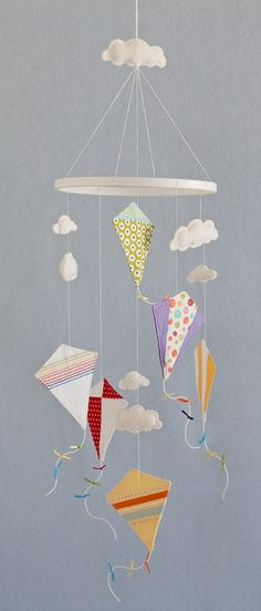New baby diy nursery decorating mobiles 55 ideas Baby Crafts, Felt Crafts, Fabric Crafts, Diy And Crafts, Paper Crafts, Diy Paper, Diy For Kids, Crafts For Kids, Mobiles For Kids