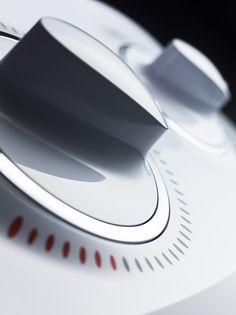 细节 Red Things iphone x red color Interface Design, User Interface, Designers Republic, Charles Ray Eames, Id Design, Bicycle Design, Vintage Design, Design Process, Motor