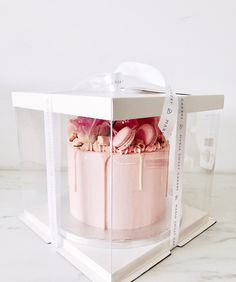 Malya - Cake and dessert designe - Cake Boxes Packaging, Baking Packaging, Dessert Packaging, Cupcake Packaging, Beautiful Cakes, Amazing Cakes, Cake Cookies, Cupcake Cakes, Boutique Patisserie