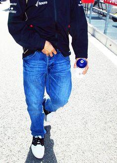 #Kimi #iceman Kimi… :( I hope he'll be ok… http://www.ts.fi/moottoriurheilu/f1/558601/The+backsurgery+ends+up+Kimis+season