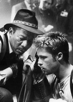 Morgan Freeman Brad Pitt in (David Fincher, Se7en Movie, Se7en 1995, Movie Tv, Film Seven, Brad Pitt, John Travolta, Patrick Swayze, Great Films, Good Movies