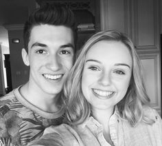Aviva and Josh Backstage Disney, Love Will Remember, Boy And Girl Best Friends, Disney Ships, Disney Channel Shows, Netflix, Comedy Films, Film Serie, Bollywood Celebrities